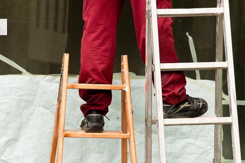 Unterweisung: Richtiger Umgang mit Anlege- und Stehleitern